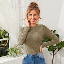 Einfarbiger Pullover mit Stehkragen