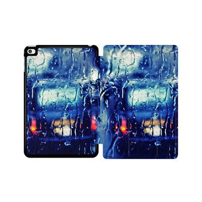 Apple iPad mini 4 Tablet Smart Case - London Taxi In The Rain von Ronya Galka