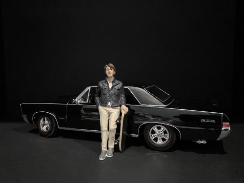 Skateboarder Figurine III for 1/18 Scale Models by American Diorama