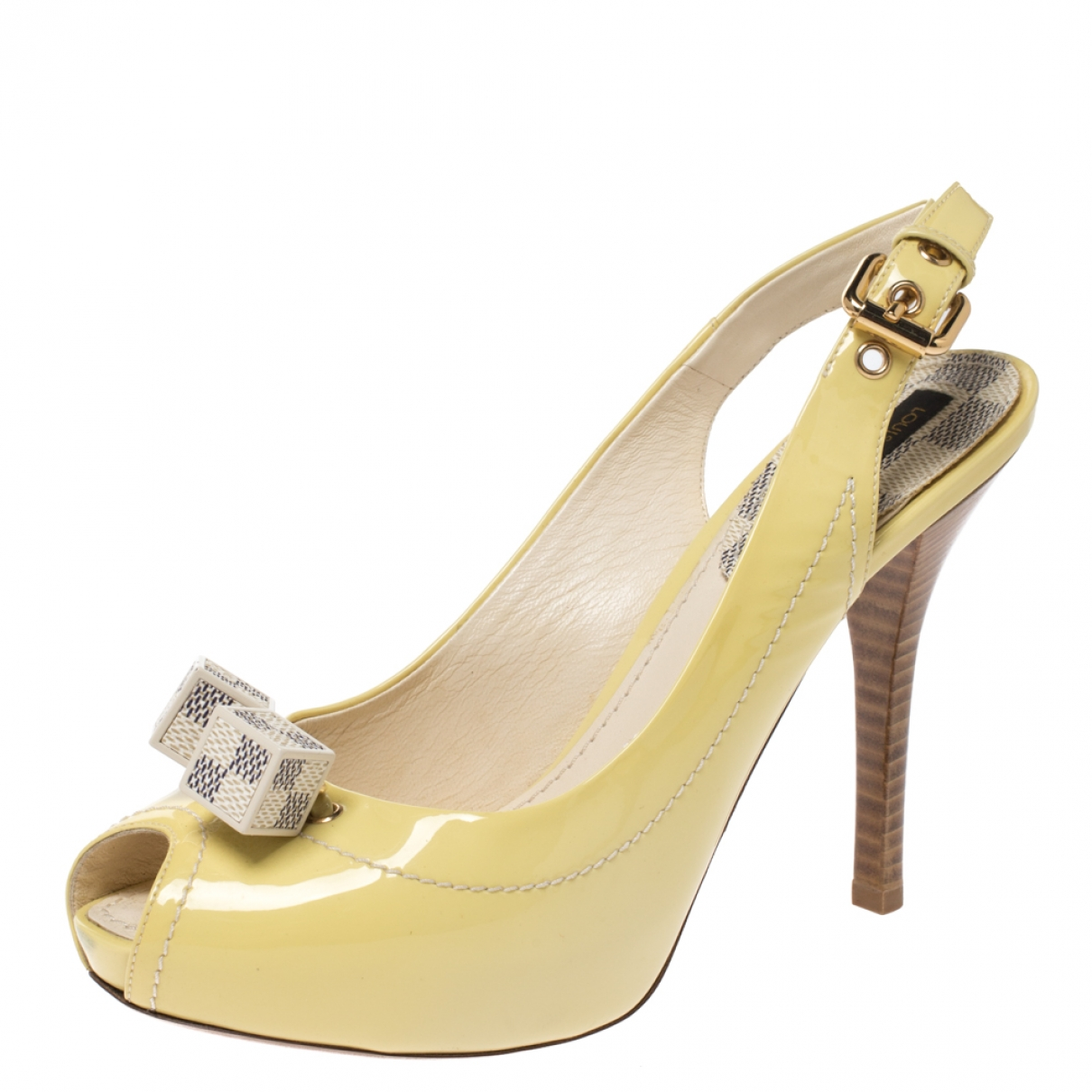 Louis Vuitton \N Yellow Patent leather Sandals for Women 5 US