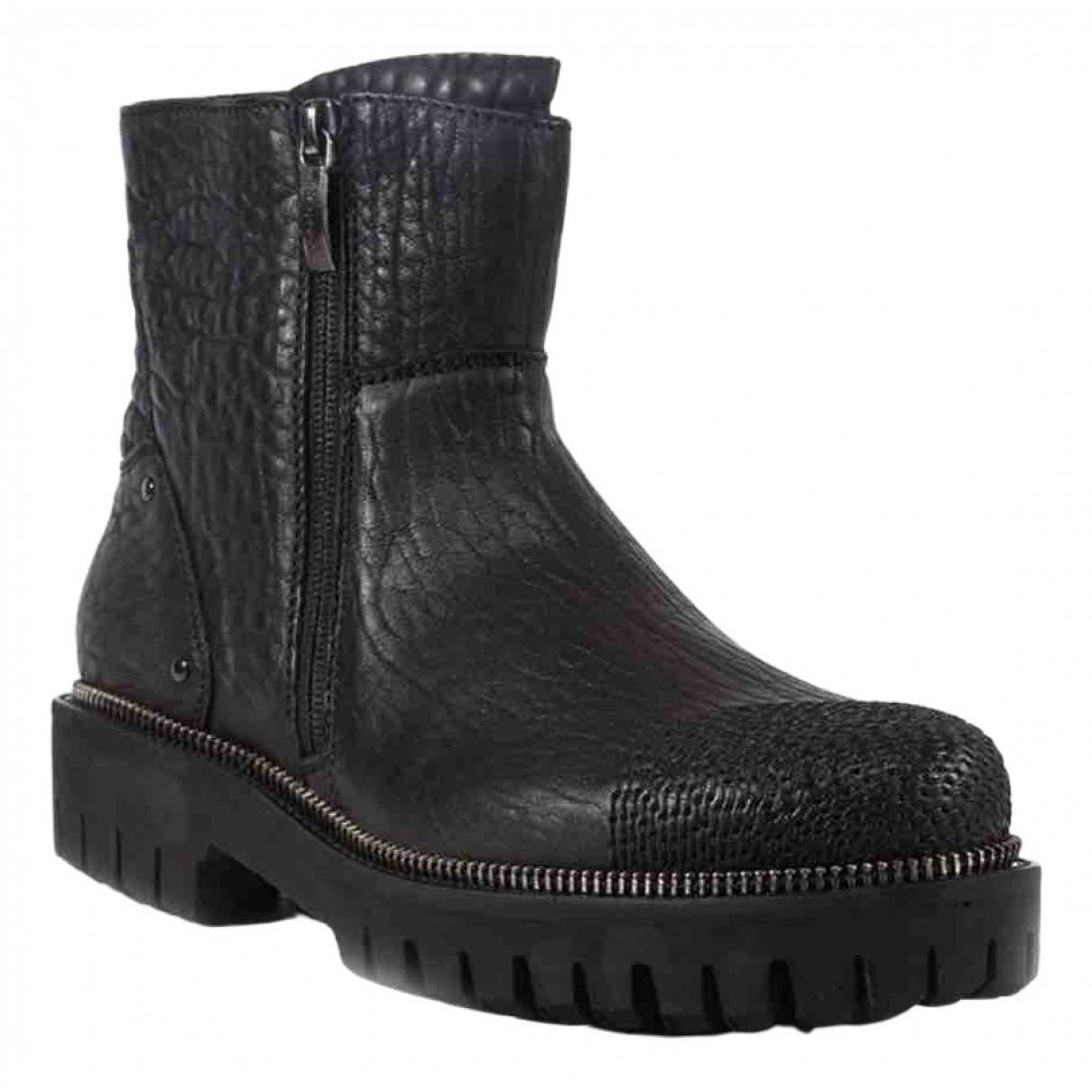 Cesare Paciotti \N Black Leather Boots for Men 43 EU