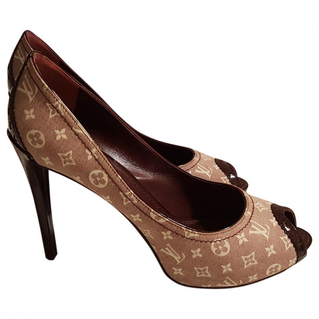 Louis Vuitton \N Burgundy Cloth Heels for Women 37.5 EU