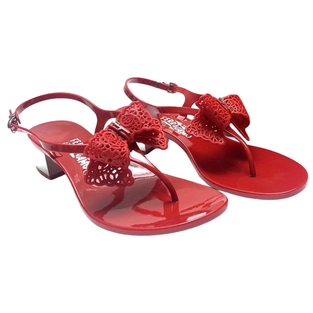 Salvatore Ferragamo \N Red Rubber Sandals for Women 9 US