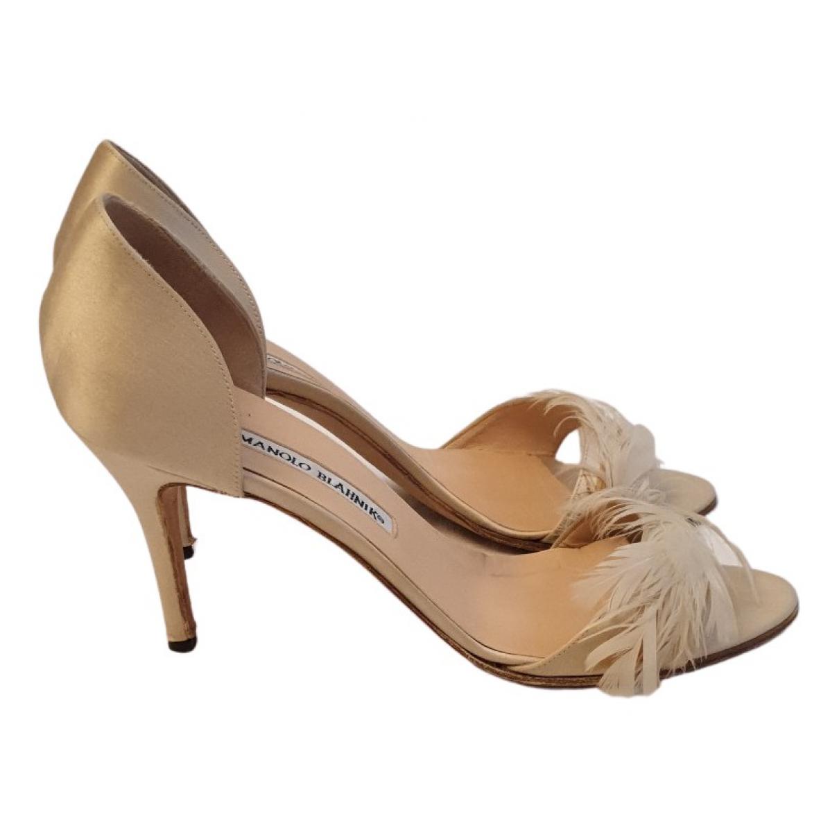 Manolo Blahnik - Sandales   pour femme en toile - beige
