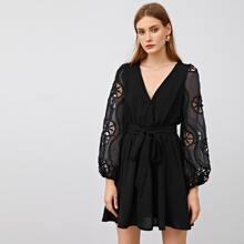 Kleid mit Laternenaermeln und Selbstguertel