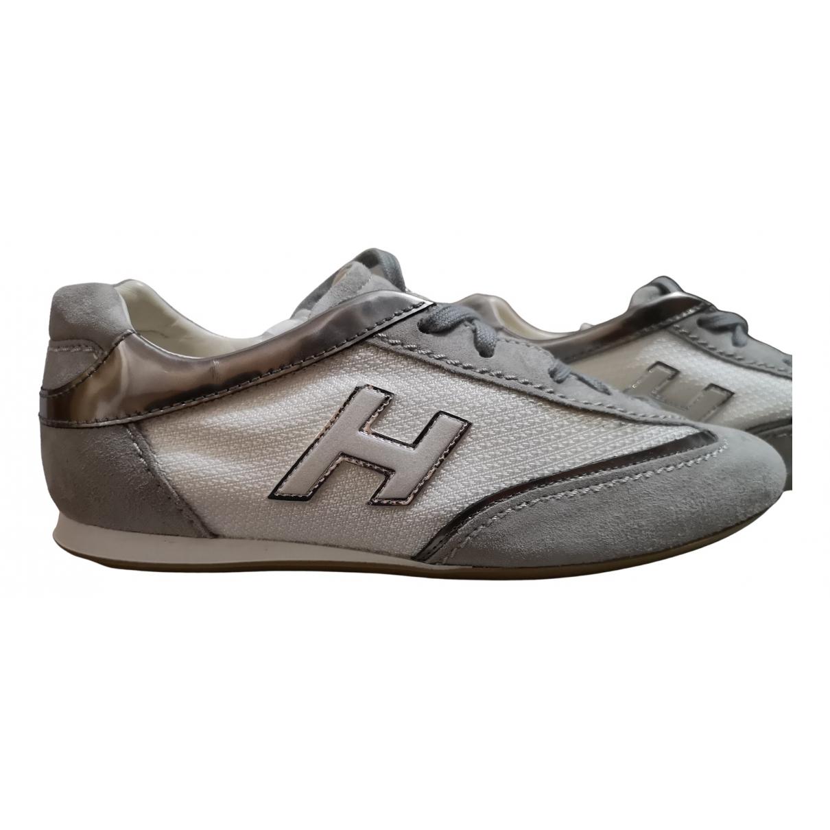 Hogan \N Sneakers in  Weiss Kautschuk