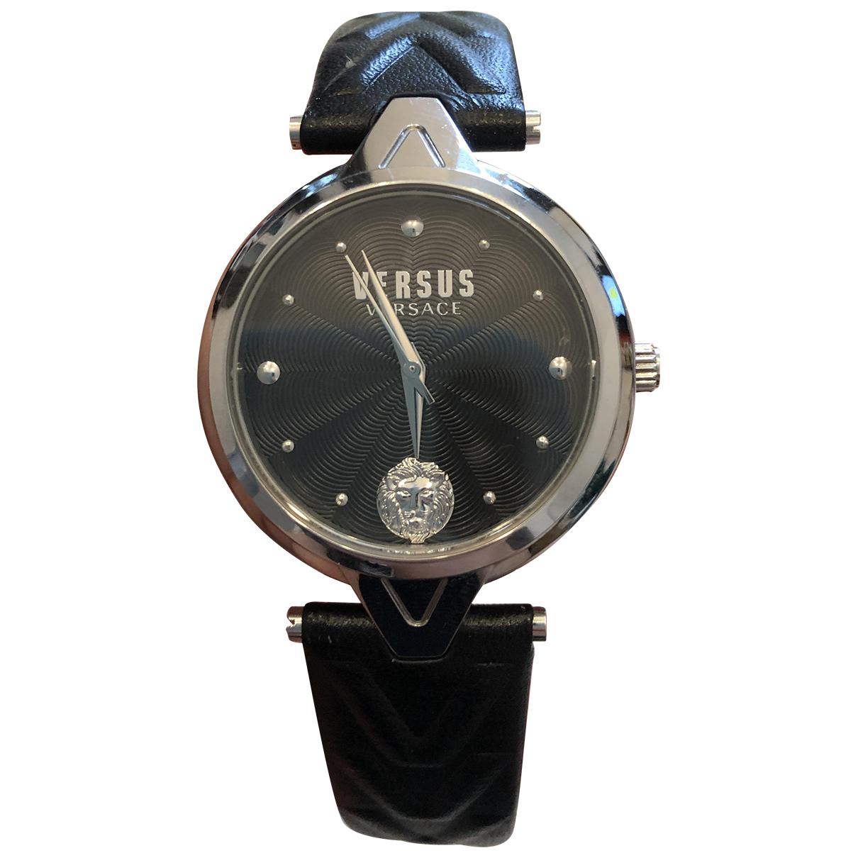 Versus \N Uhr in  Schwarz Silber