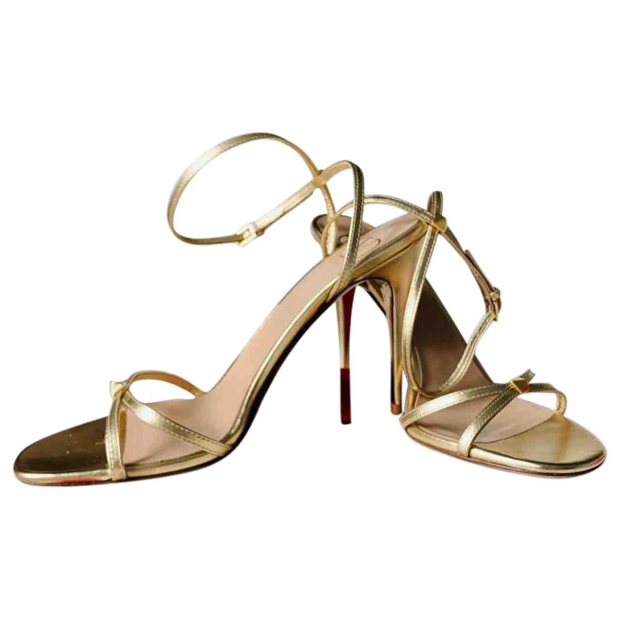 Valentino Garavani N Gold Leather Sandals for Women 37 EU