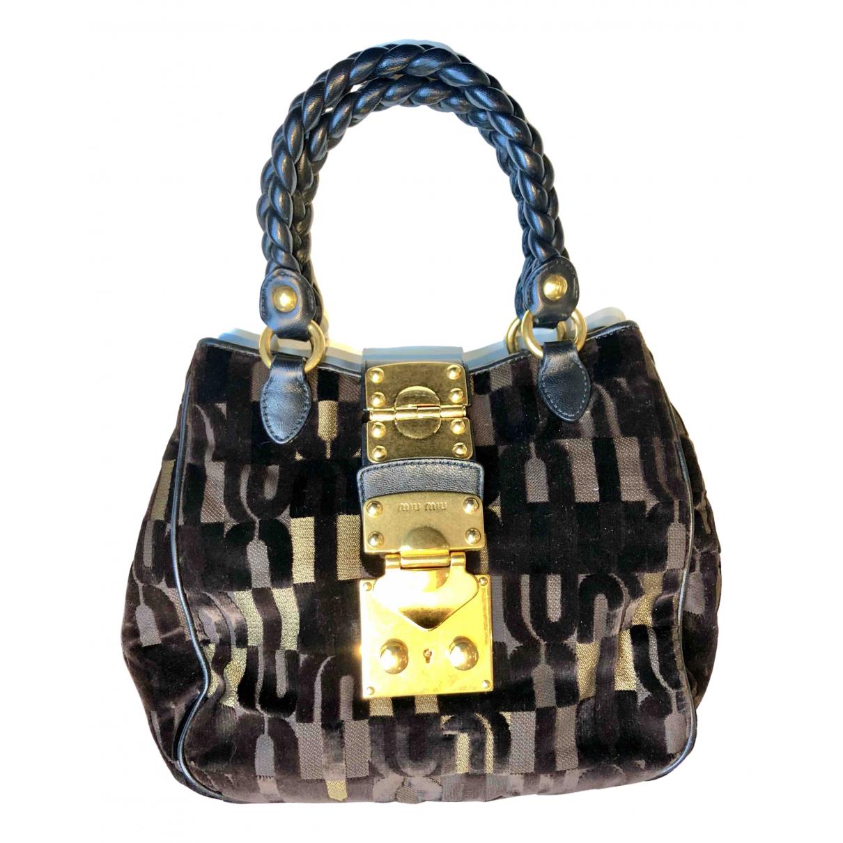 Miu Miu Matelasse Handtasche in  Braun Samt