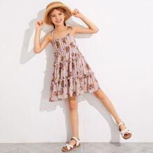 Cami Kleid mit Band auf Schulter, mehrschichtigem Rueschenbesatz und Blumen Muster