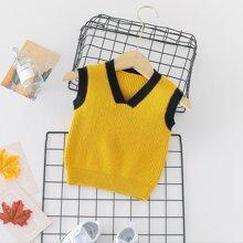 Pulloverweste mit V-Kragen und Kontrast Bindung