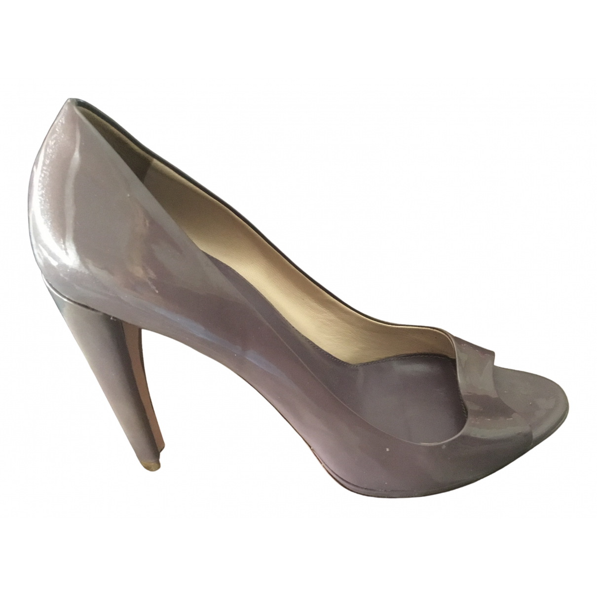 Prada \N Pumps in  Lila Lackleder