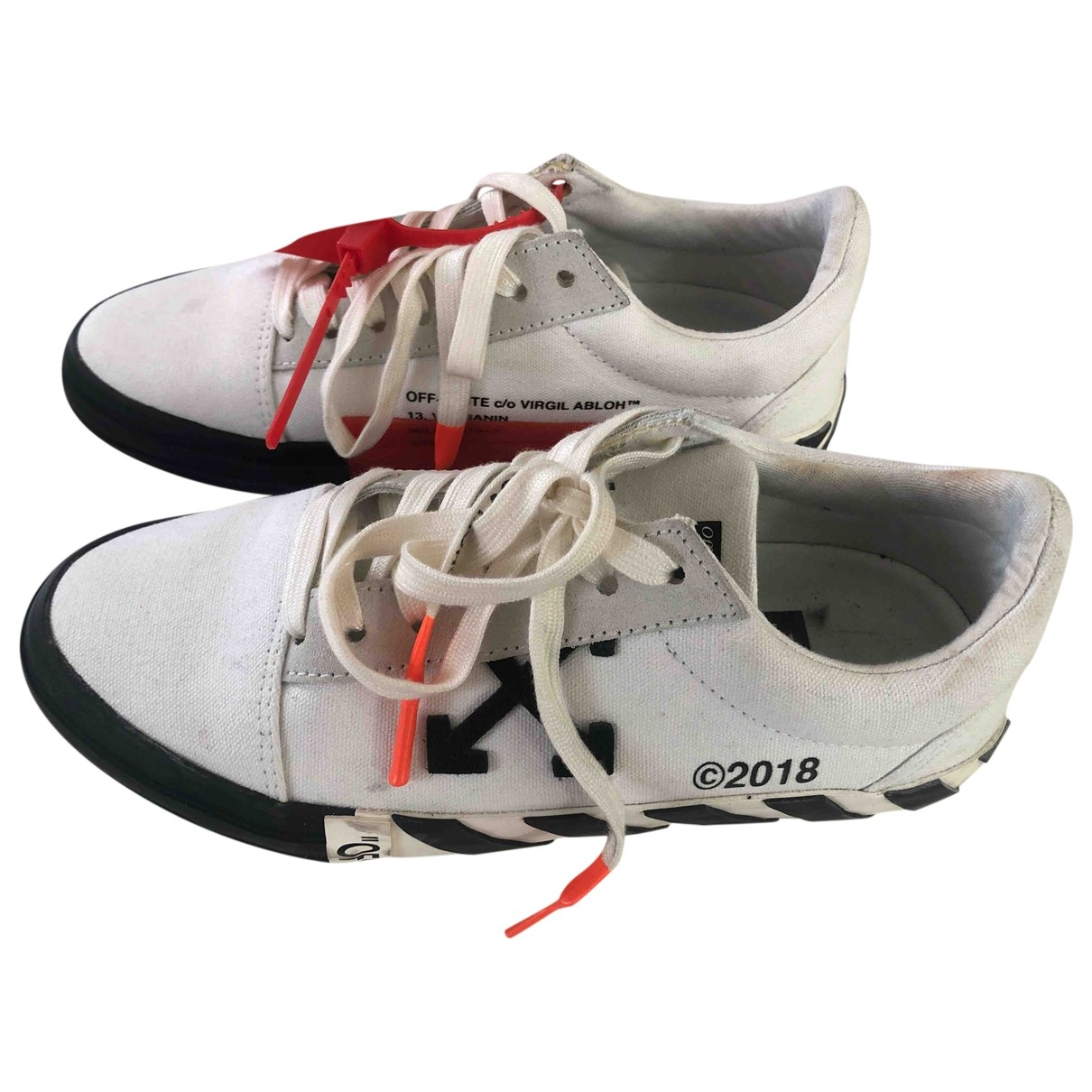 Off-white Low Top White Cloth Trainers for Women 38 EU