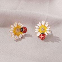 1 Paar Ohrstecker mit Blumen Design
