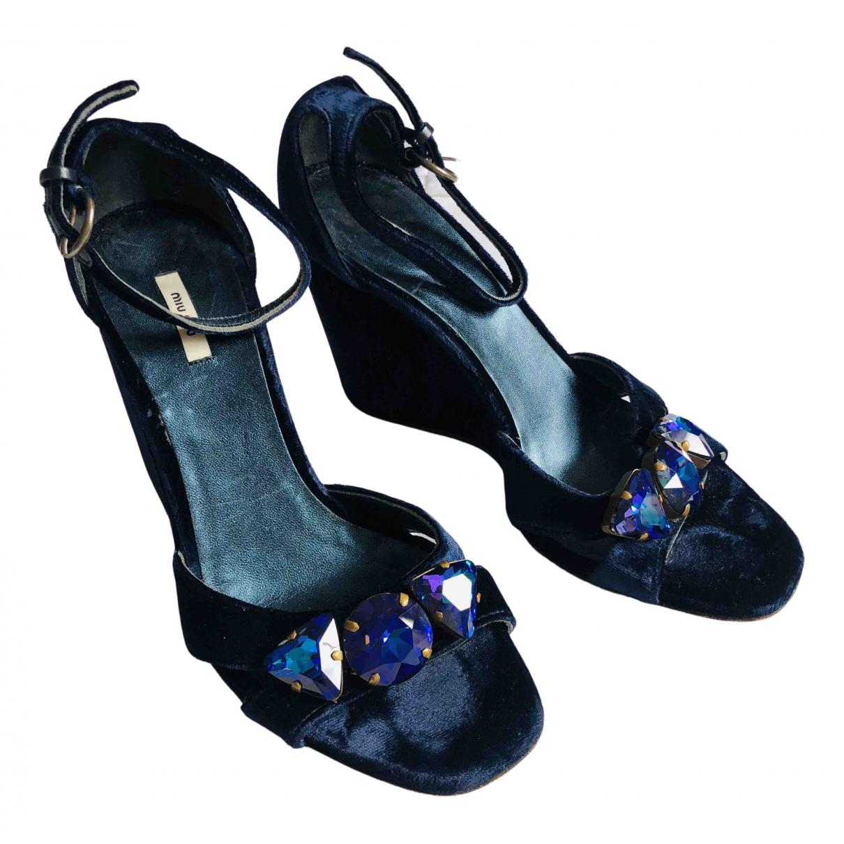 Miu Miu \N Sandalen in  Blau Samt