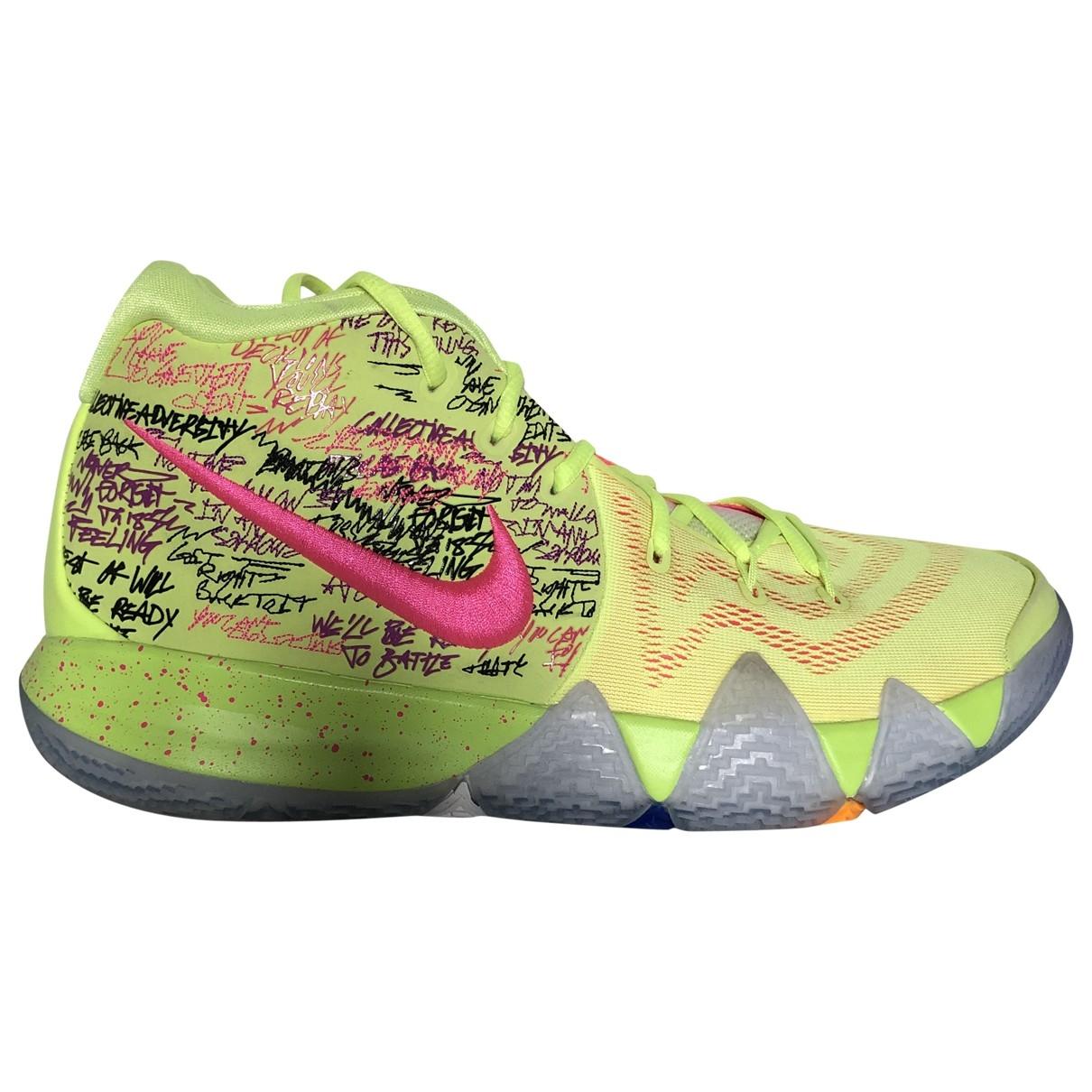 Nike Kyrie Sneakers in Leder