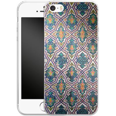 Apple iPhone 5 Silikon Handyhuelle - Tile Pattern von Omid Scheybani