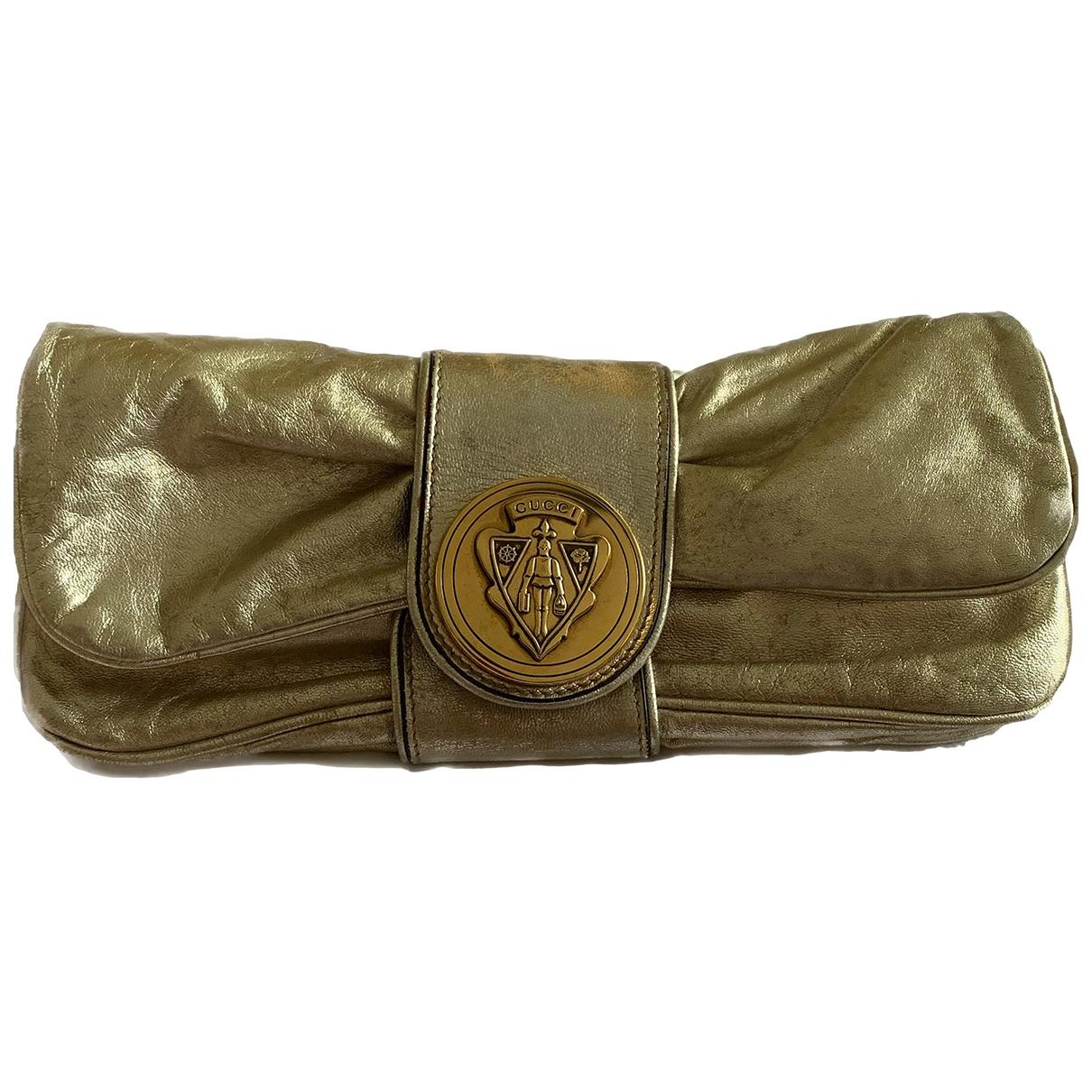 Gucci \N Clutch in  Gold Leder