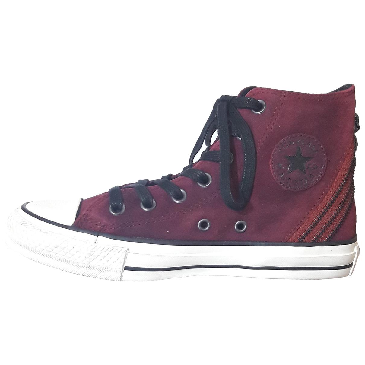 Converse \N Sneakers in  Bordeauxrot Veloursleder