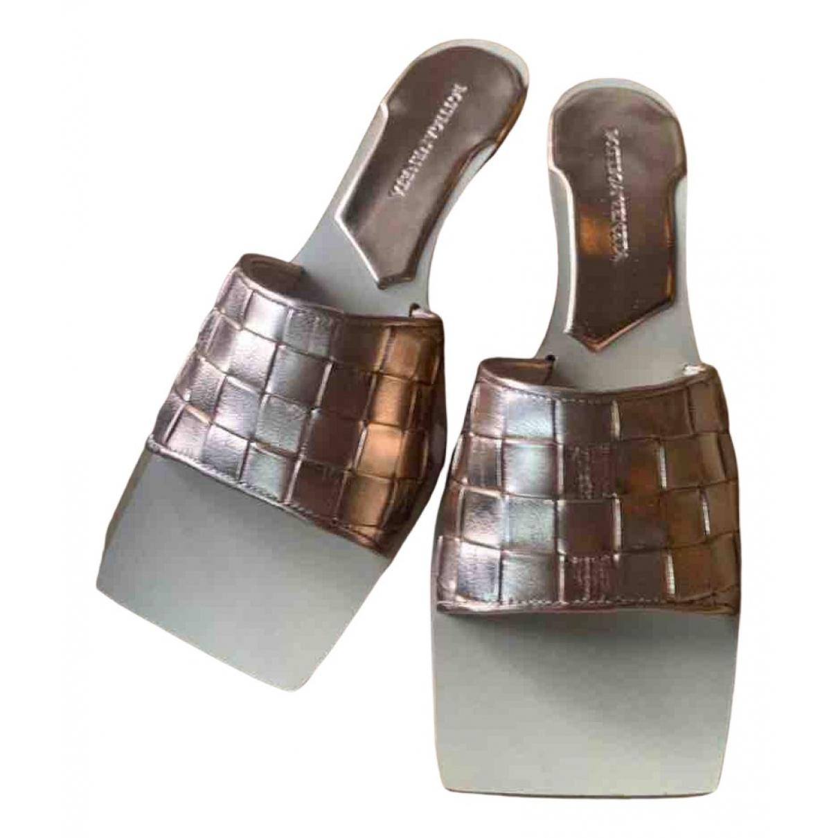 Bottega Veneta N Leather Sandals for Women 37.5 EU