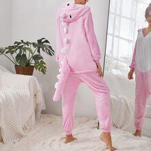 Einteiliger Pluesch Schlafanzug mit Knopfen vorn und Karikatur Design