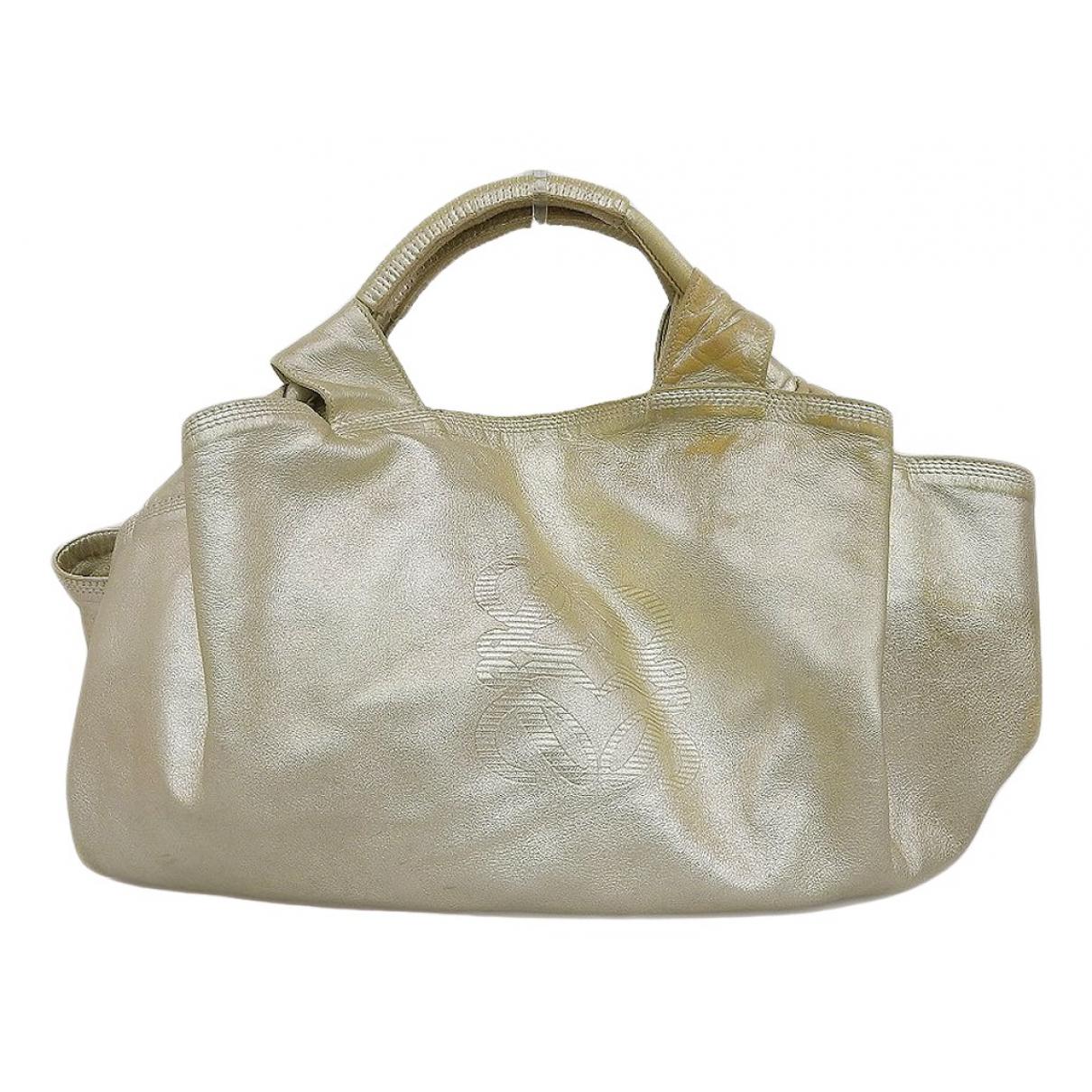 Loewe \N Gold Leather handbag for Women \N