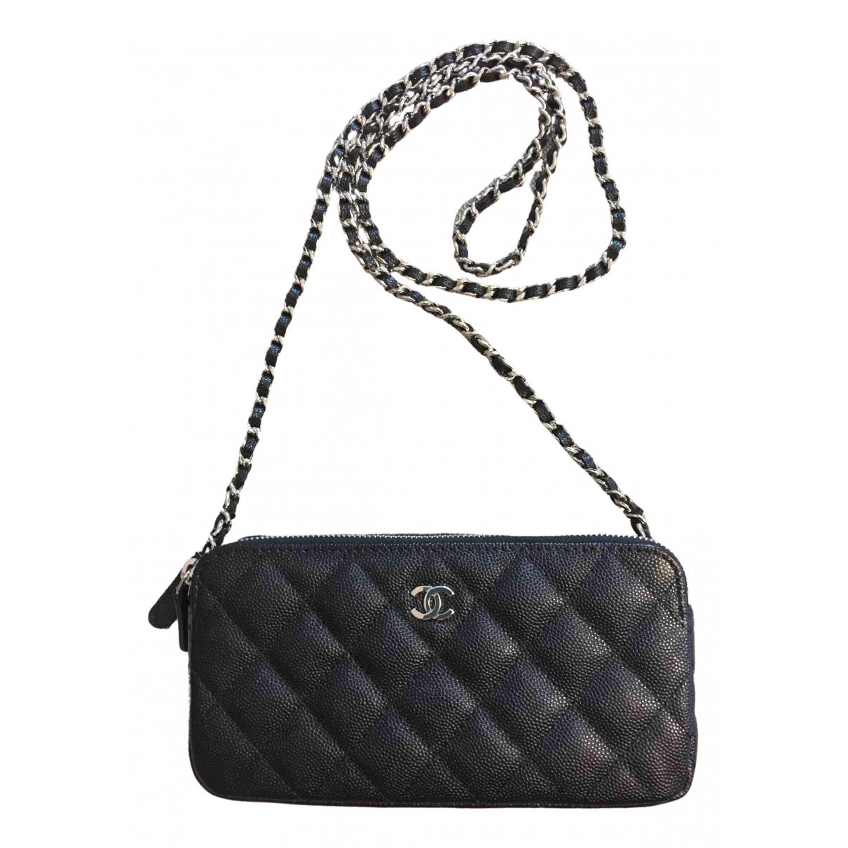 Chanel Timeless/Classique Clutch in  Schwarz Leder
