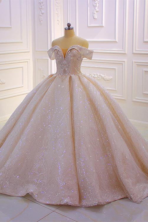 Robe de mariee scintillante a epaules denudees champange
