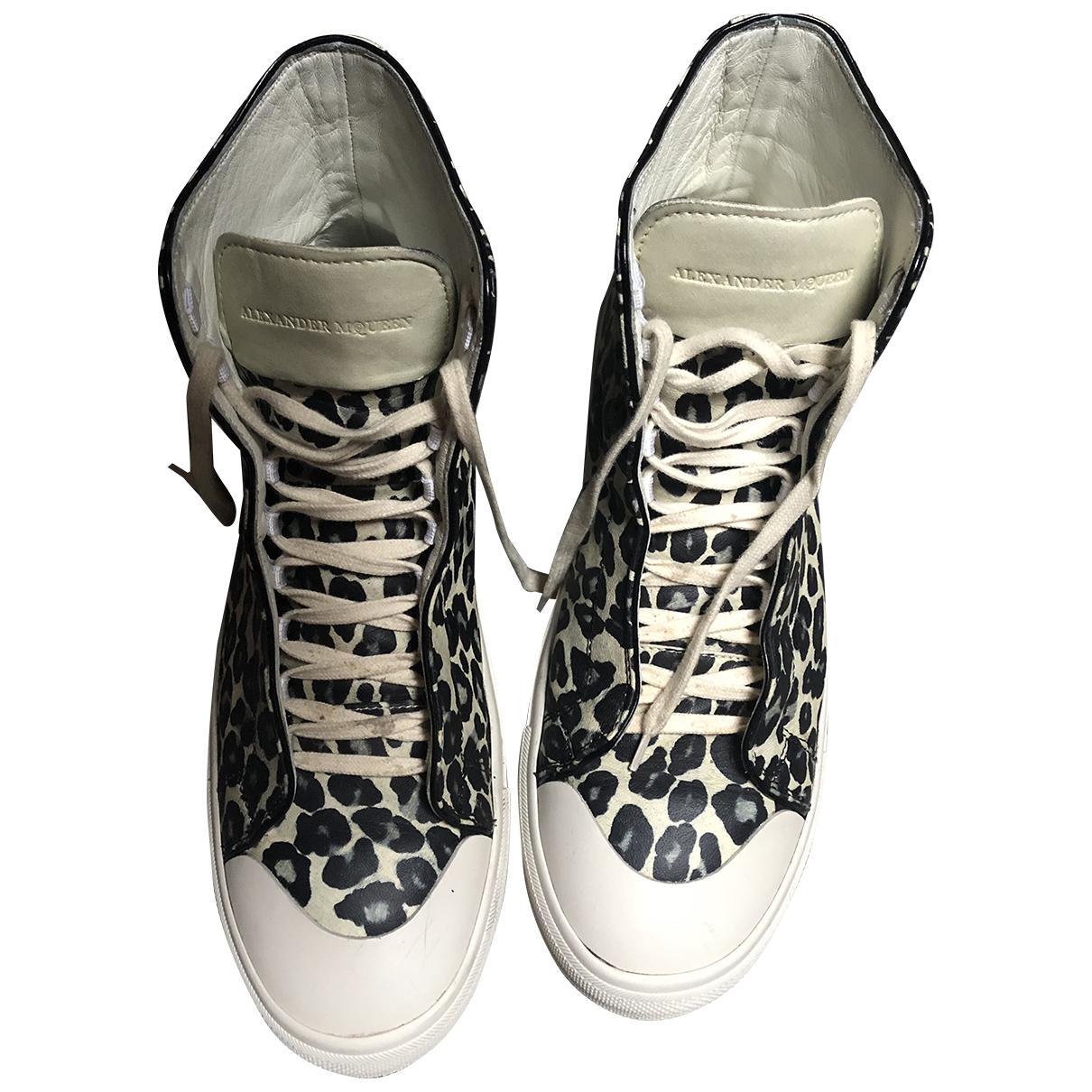 Alexander Mcqueen \N Sneakers in  Beige Leder