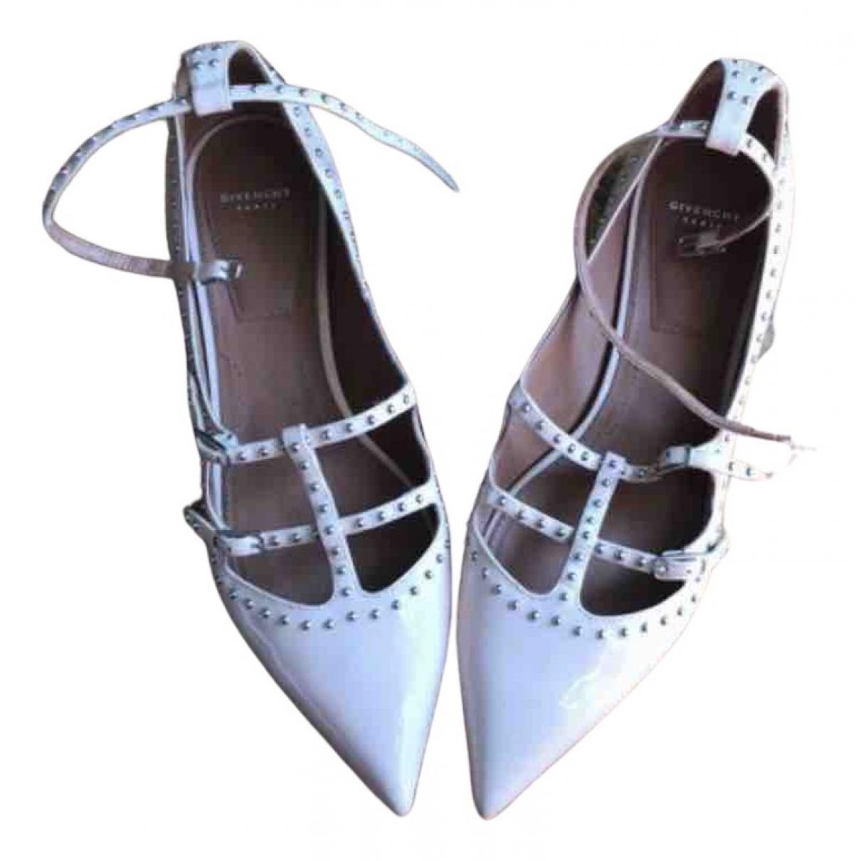 Givenchy \N Ballerinas in  Beige Lackleder