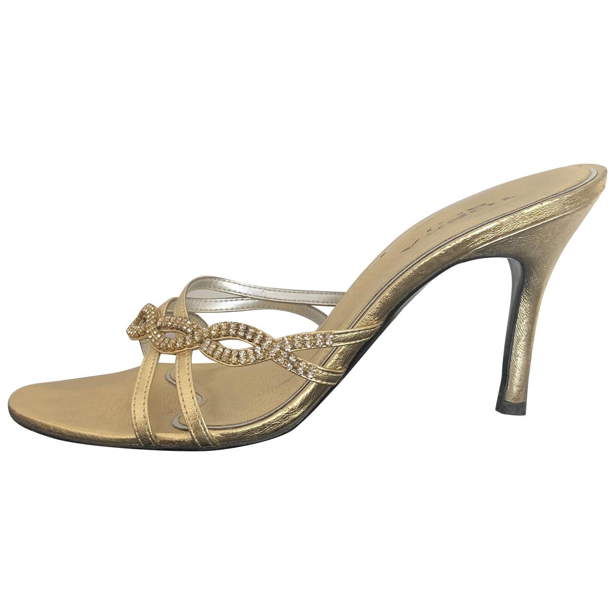 Tosca Blu - Sandales   pour femme en a paillettes - dore