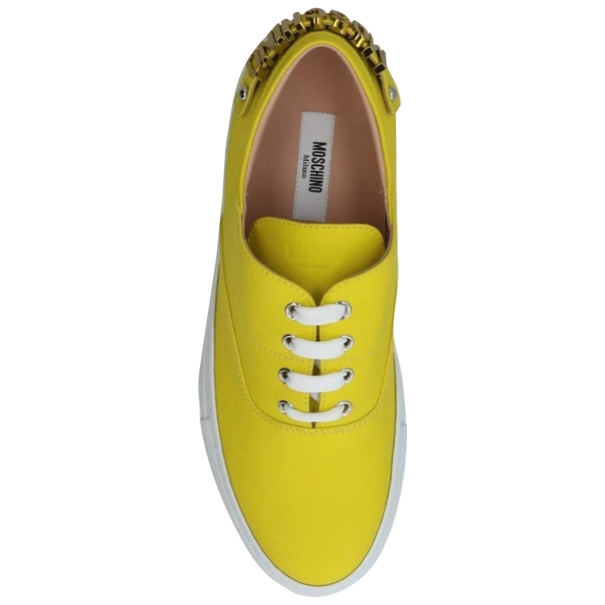 Moschino - Baskets   pour femme en cuir - jaune