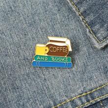Brosche mit Kaffeebecher Design
