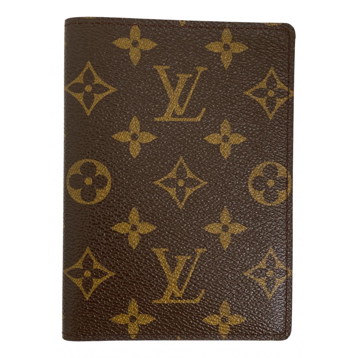 Louis Vuitton Passport cover Kleinlederwaren in  Braun Leinen