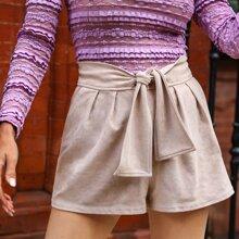Shorts fruncido con cordon delantero