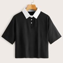 Camiseta de manga corta de cuello polo en contraste