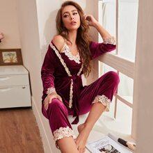3 Stuecke Samt Schlafanzug Set mit Kontrast Spitze und Guertel