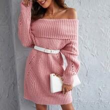 Einfarbiges schulterfreies Pulloverkleid mit Falten ohne Guertel