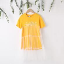 Maedchen Kleid mit Buchstaben Grafik und Kontrast Netzstoff
