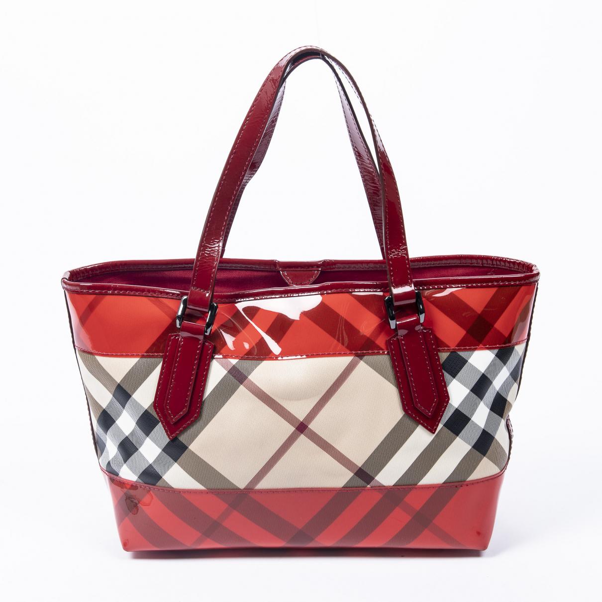 Burberry \N Handtasche in  Rot Leder