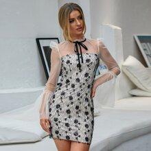 Double Crazy Kleid mit Band vorn, Kontrast Pailletten und Netzstoff