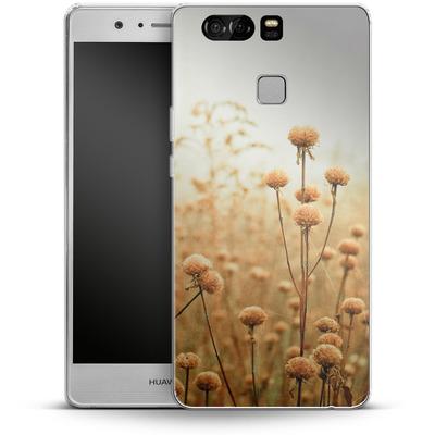 Huawei P9 Silikon Handyhuelle - Daybreak In The Meadow von Joy StClaire