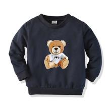 Pullover mit Baeren und Buchstaben Grafik