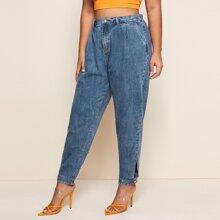 Jeans mit Falten vorn und Knopfen ohne Guertel