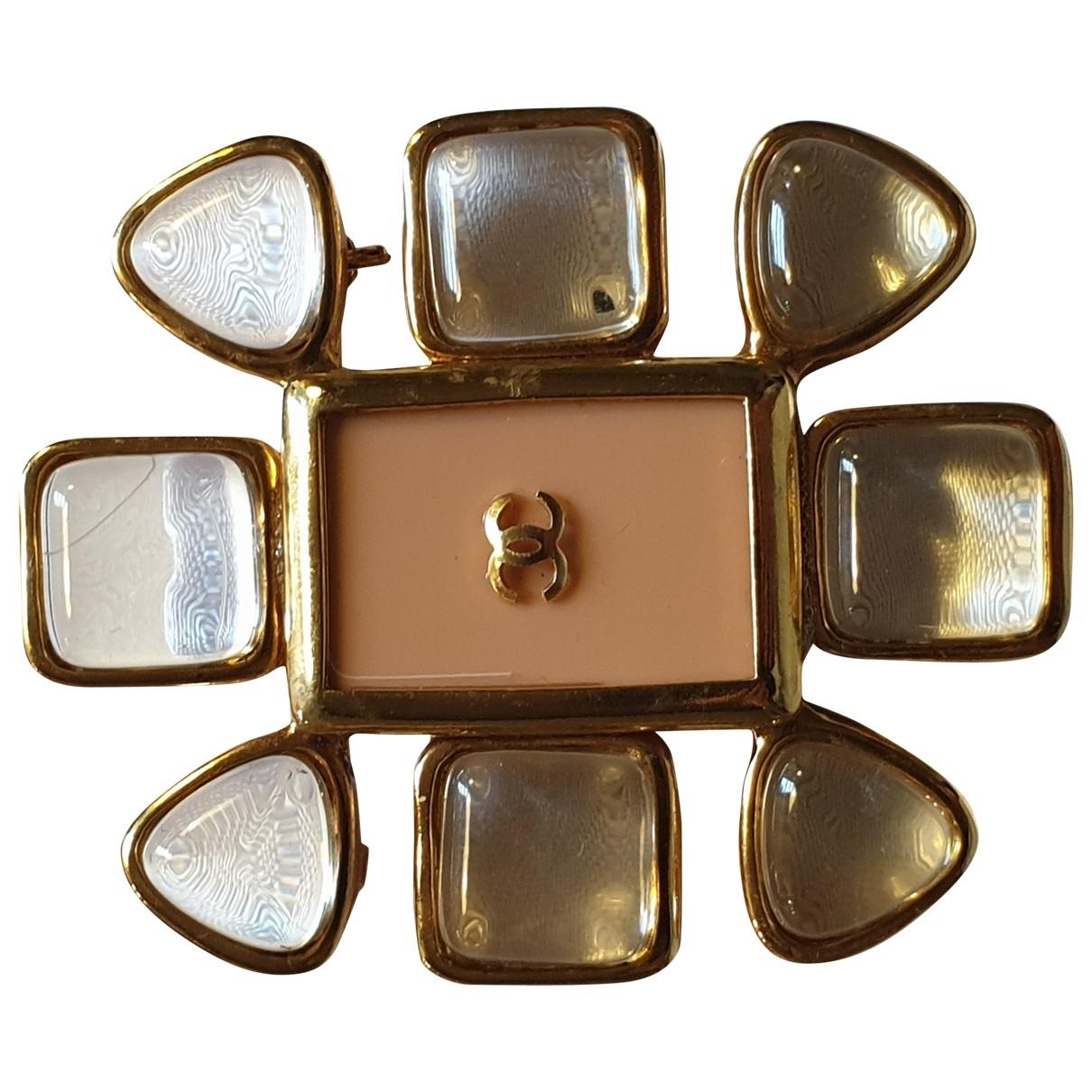 Chanel Camelia Brosche in  Beige Kunststoff