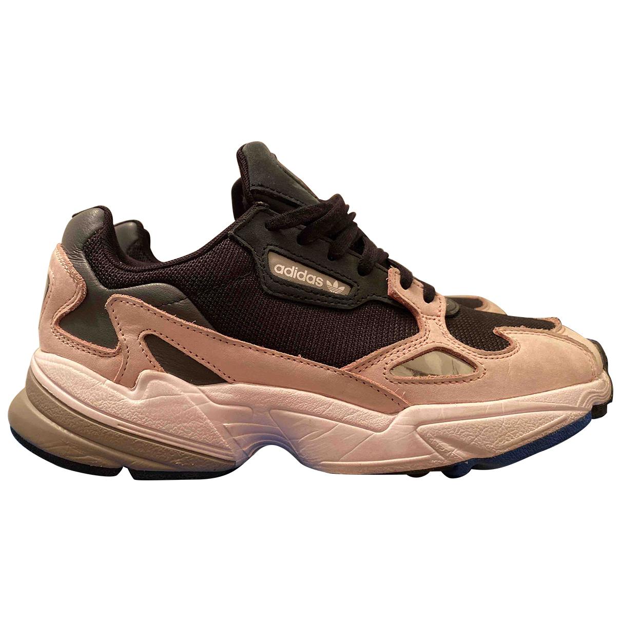 Adidas - Baskets Falcon pour femme en cuir - multicolore