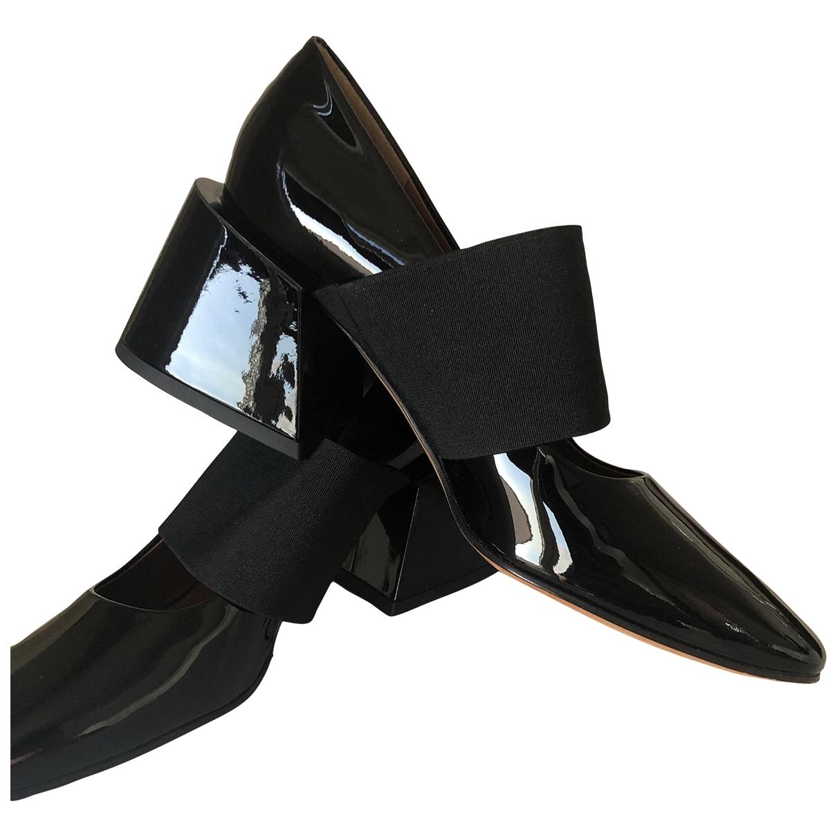 Givenchy - Escarpins   pour femme en cuir verni - noir
