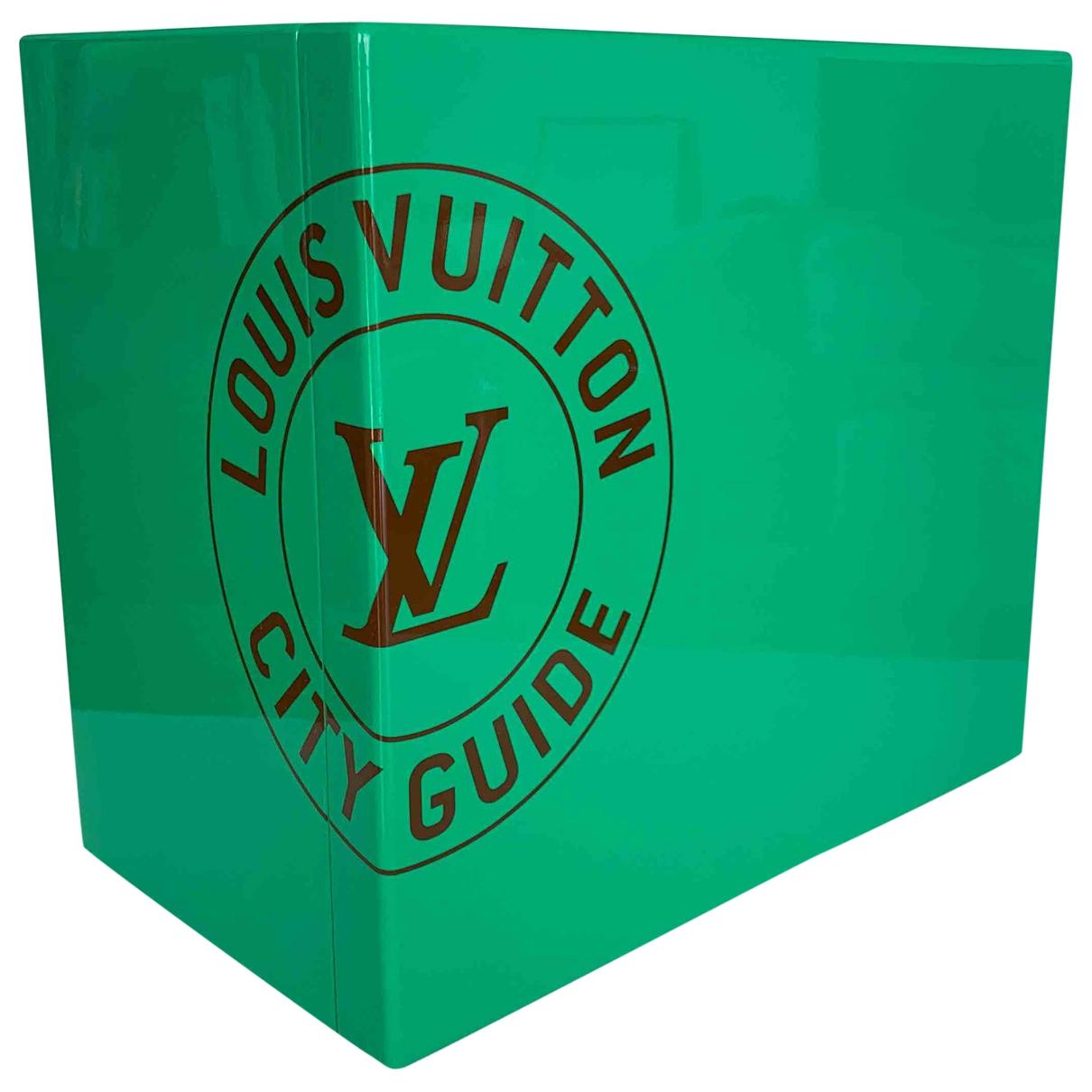 Louis Vuitton - Voyages City Guide pour lifestyle en bois - vert
