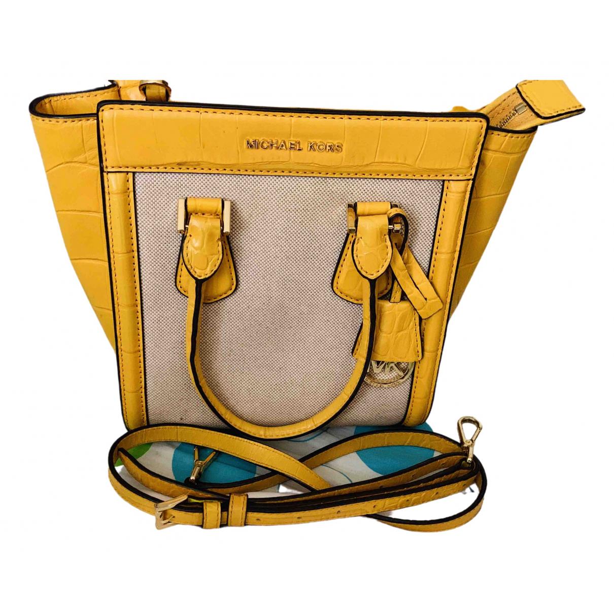 Michael Kors \N Handtasche in  Gelb Leder