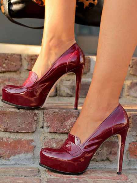 Milanoo Zapatos de tacon de puntera redonda Charol PU de color borgoña Color liso de tacon de stiletto